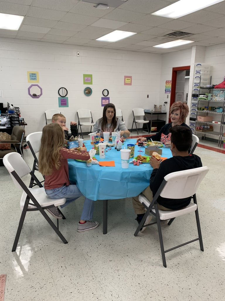 Students enjoyed lunch with Mrs. Gilliam and Mrs. Drew
